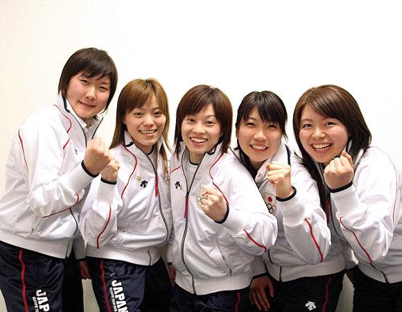 トリノオリンピック2006 スペシャルメッセージ カーリング女子 ...