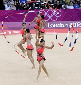 ロンドンオリンピック2012 写真日本、12年ぶり団体決勝へ 新体操 ...