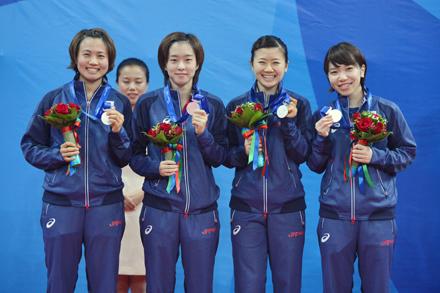 卓球女子団体は銀メダルを獲得 ...