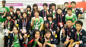 Meals with Saori Yoshida and Kyoko Hamaguchi (wrestling) in the canteen of the Olympic Village